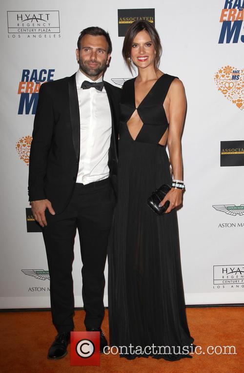 Jamie Mazur and Alessandra Ambrosio 5