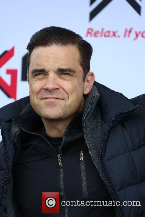 Robbie Williams and ... 6