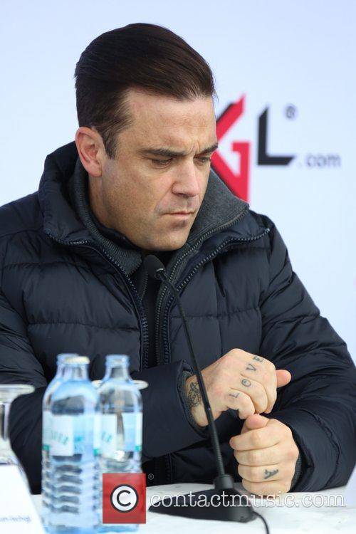 Robbie Williams and ... 7
