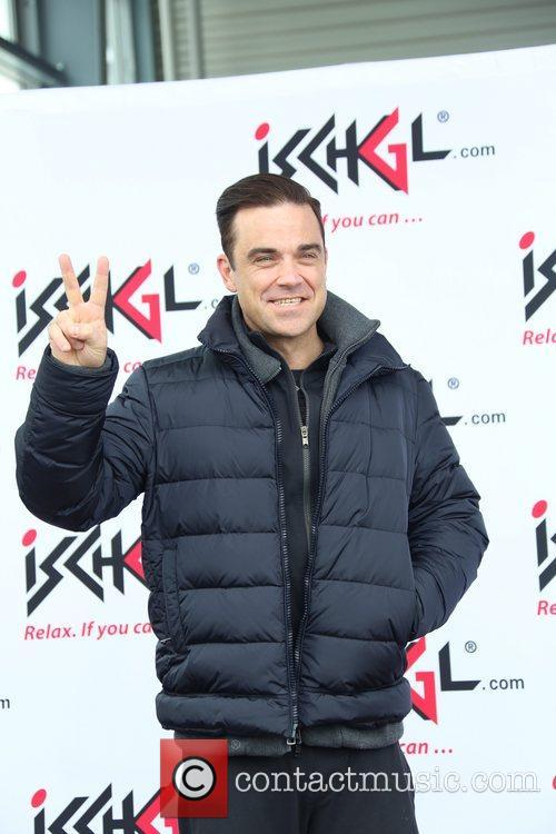 Robbie Williams and ... 8