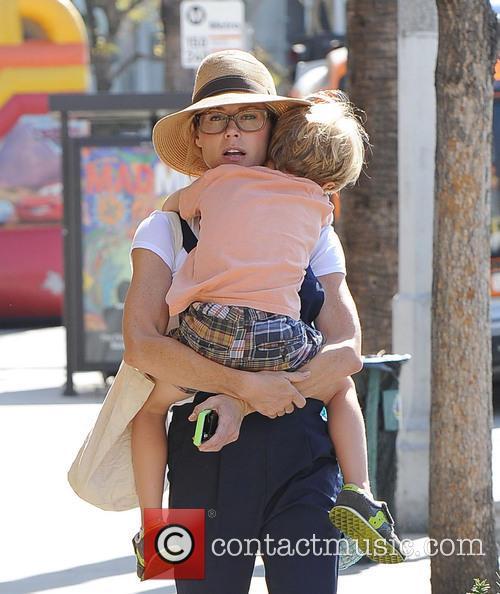 Julie Bowen and John Phillips 4