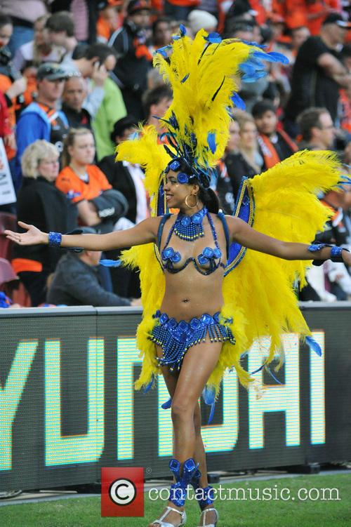 Brazilian Dancers add colour to A League Grand...
