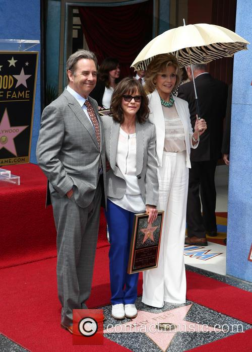 Sally Field, Beau Bridges and Jane Fonda 9