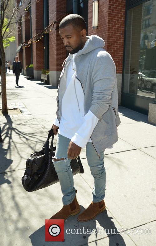 kanye west kanye west leaving his apartment 4180767