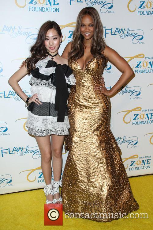 Jini Lee and Tyra Banks 2