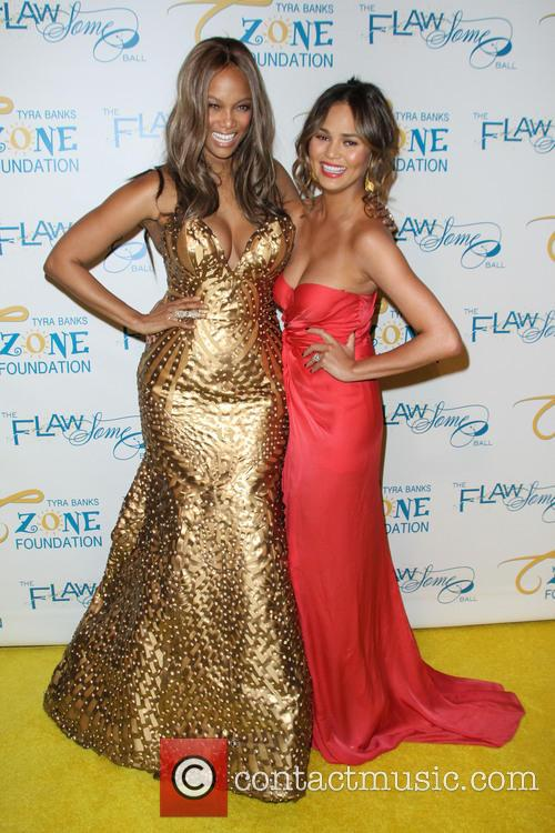Tyra Banks and Chrissy Teigen 2