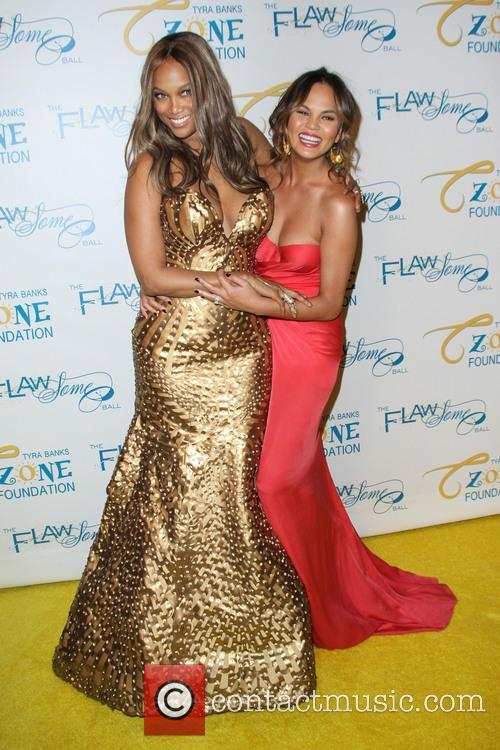 Tyra Banks and Chrissy Teigen 8
