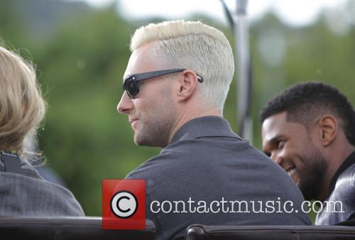 adam levine the voice coaches appears on 4183588
