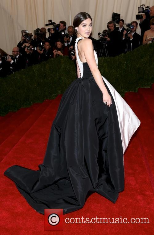 hailee steinfeld beyond fashion costume institute gala 4181699