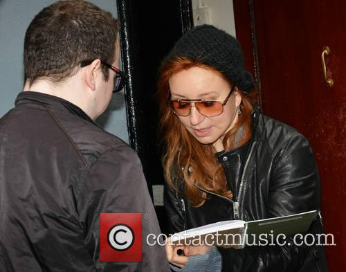 Tori Amos meets fans outside the stage door...