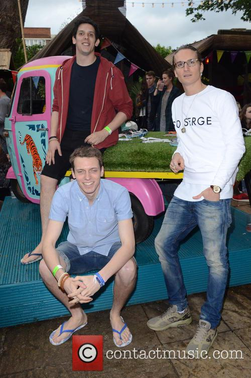 Oliver Proudlock and With X Gandys 6