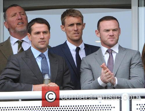 Wayne Rooney and Michael Owen 5