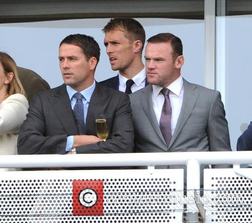 Wayne Rooney and Michael Owen 6