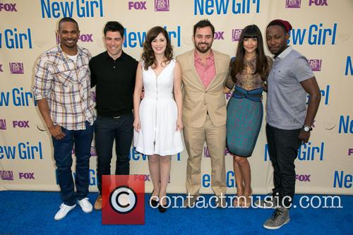Damon Wayans, Jr., Max Greenfield, Zooey Deschanel, Jake Johnson, Hannah Simone and Lamorne Morris 5