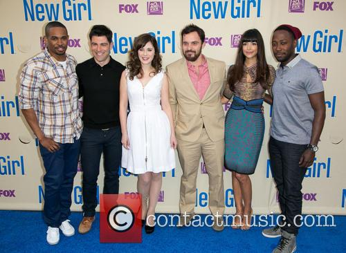 Damon Wayans, Jr., Max Greenfield, Zooey Deschanel, Jake Johnson, Hannah Simone and Lamorne Morris 7