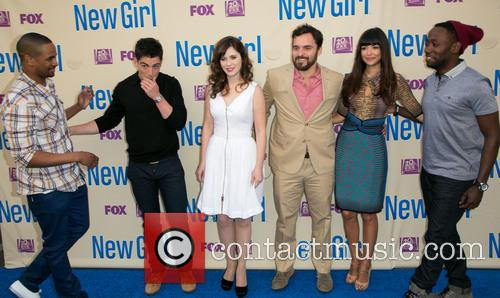 Damon Wayans, Jr., Max Greenfield, Zooey Deschanel, Jake Johnson, Hannah Simone and Lamorne Morris 1