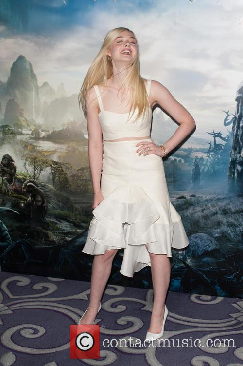 elle fanning maleficient photo call 4186814