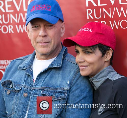 Bruce Willis and Halle Berry 1