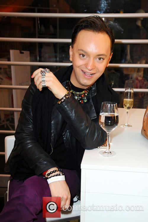 Leona Lewis, Julian F. M. Stoeckel, Alexa shopping mall