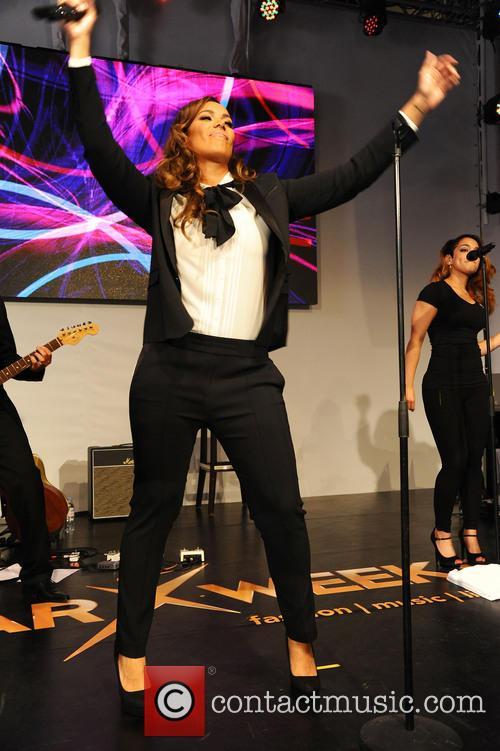Leona Lewis 36