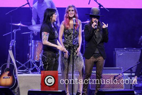 Margaret Cho, Rumer Willis and Linda Perry 4