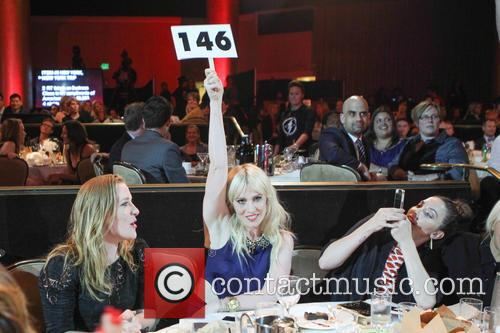 Natasha Bedingfield and Whitney Cummings 7