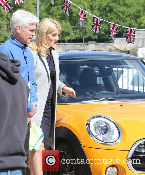 Holly Willoughby and Philip Schofield 7