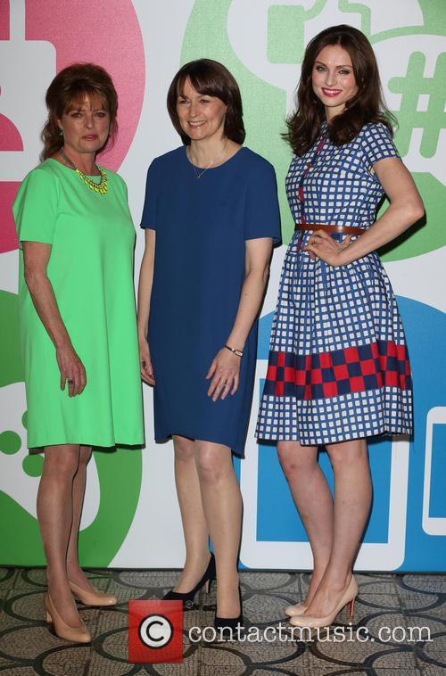 Janet Ellis, Caroline Bunting and Sophie Ellis-bextor 8