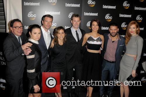 cast of scandal entertainment weekly and abc 4194736