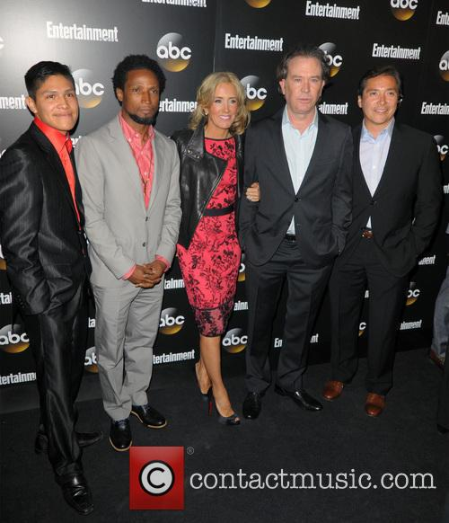 Johnny Ortiz, Elvis Nolasco, Felicity Huffman, Timothy Hutton and Benito Martinez 6