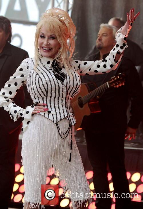 Legend Dolly Parton performs live on Today Show