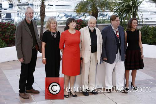 Dorothy Atkinson, Marion Bailey, Timothy Spall and Mike Leigh 5
