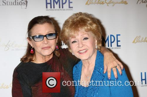 Carrie Fisher and Debbie Reynolds 1