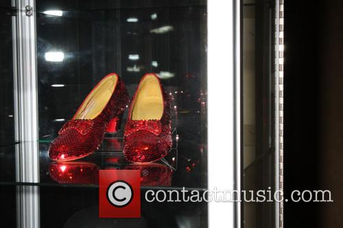 Debbie Reynolds and Ruby Slippers 8