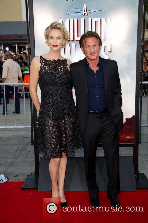 Charlize Theron and Sean Penn 5