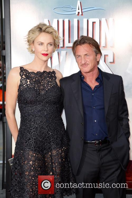 Charlize Theron and Sean Penn 9