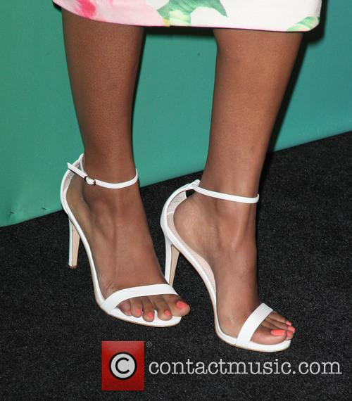 Candice Patton 3