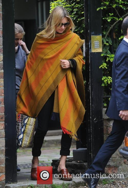 kate moss kate moss seen leaving her 4196427
