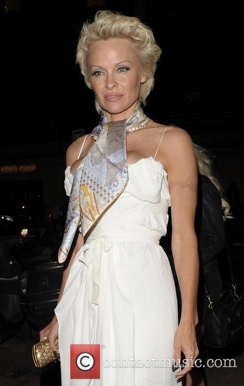 Pamela Anderson 3