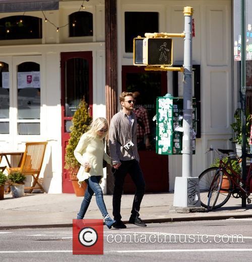 Dakota Fanning and Jamie Strachan 3