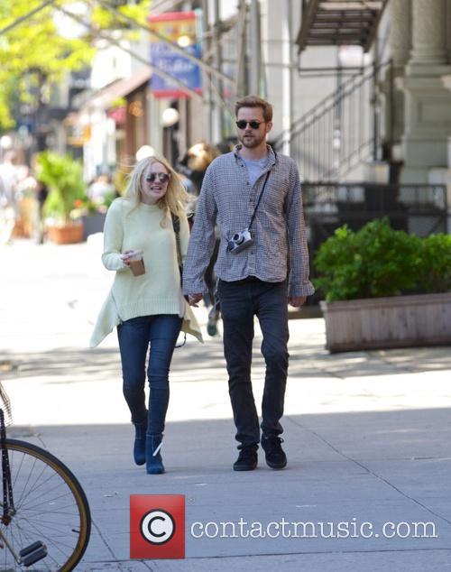 Dakota Fanning and Jamie Strachan 9