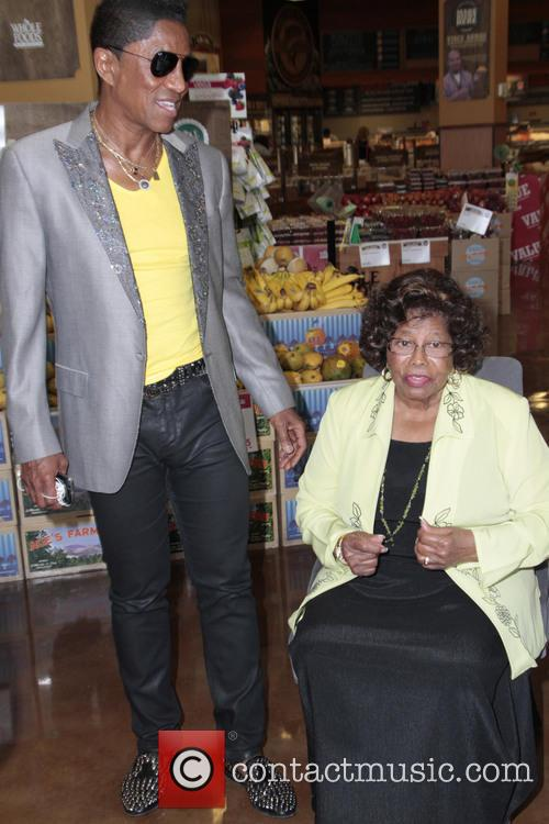 Jermaine Jackson and Katherine Jackson 4