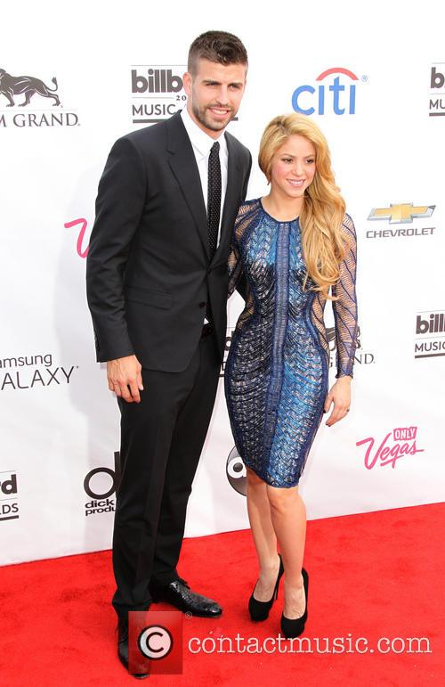 Gerard Pique and Shakira 3