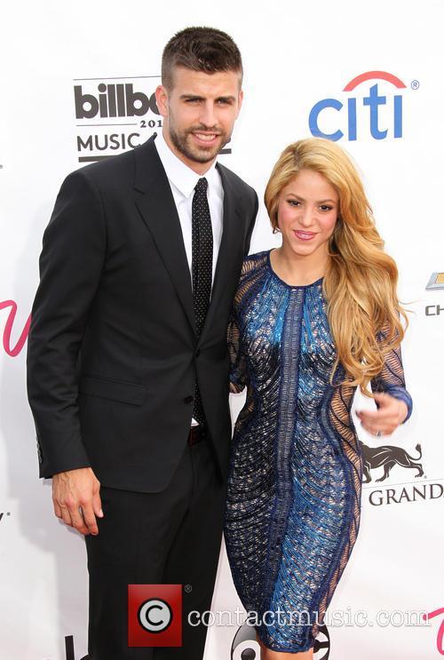 Gerard Pique and Shakira 4