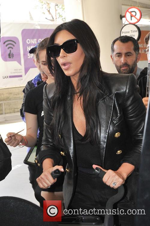 kim kardashian kim kardashian heads to france 4200977