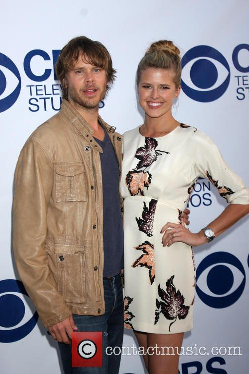 Eric Christian Olsen and Sarah Wright 10