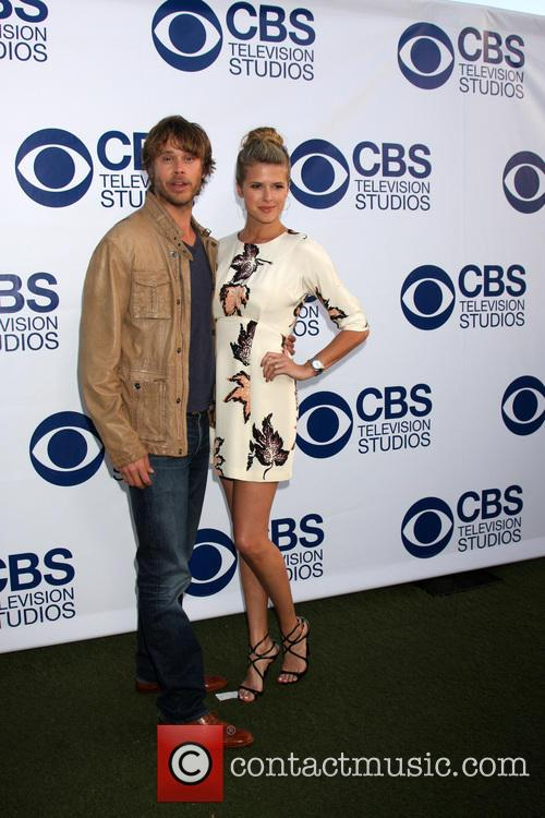 Eric Christian Olsen and Sarah Wright 11