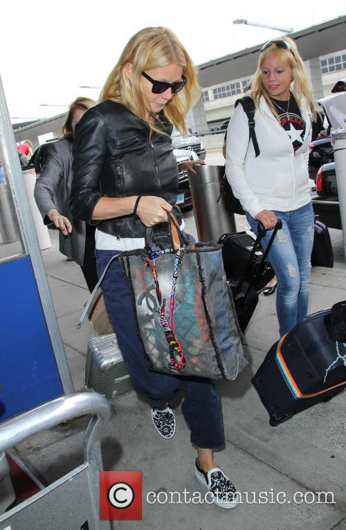 Gwyneth Paltrow, JFK Airport