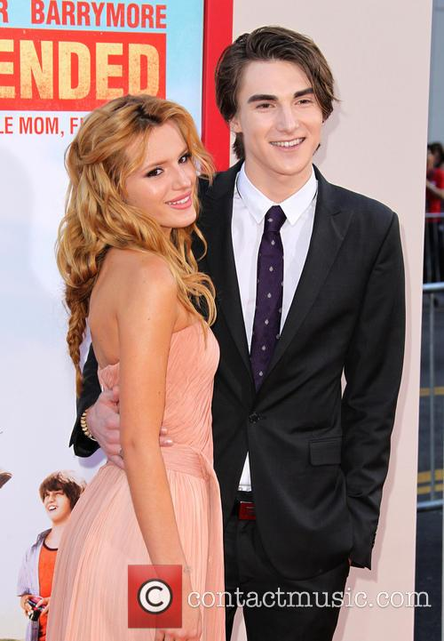 Bella Thorne and Zak Henri 4