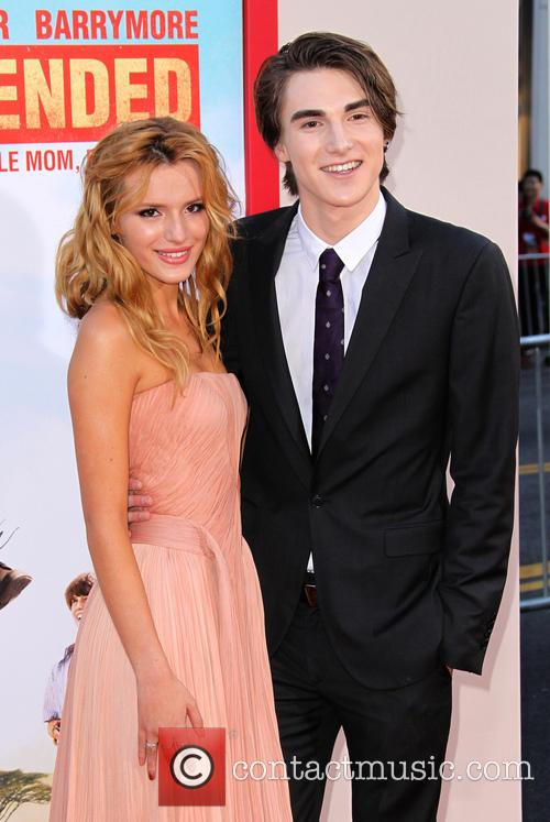 Bella Thorne and Zak Henri 5